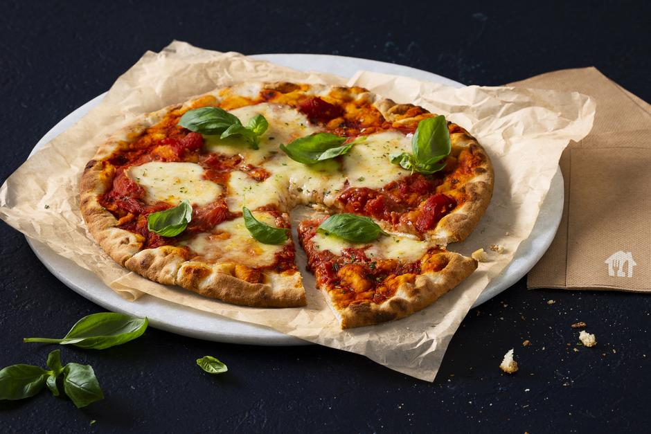 Knusprige Pizza Margherita